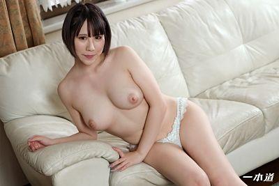 1pondo 061221_001 – Naughty Kiss And Fucking: Riri Shiraki